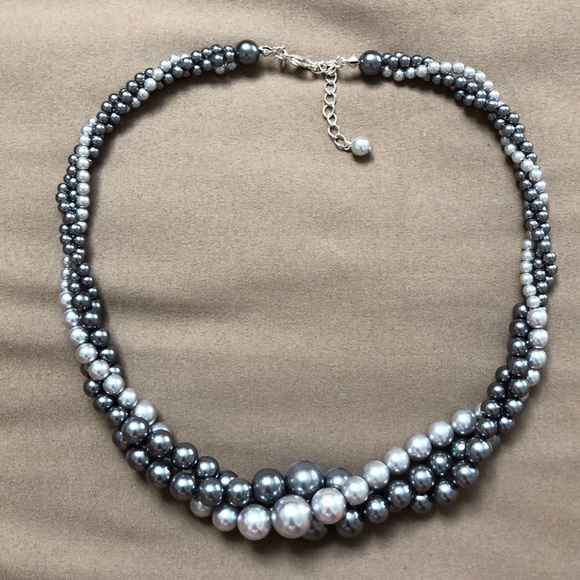 Francesca's Collections Jewelry - Pearl braided necklace